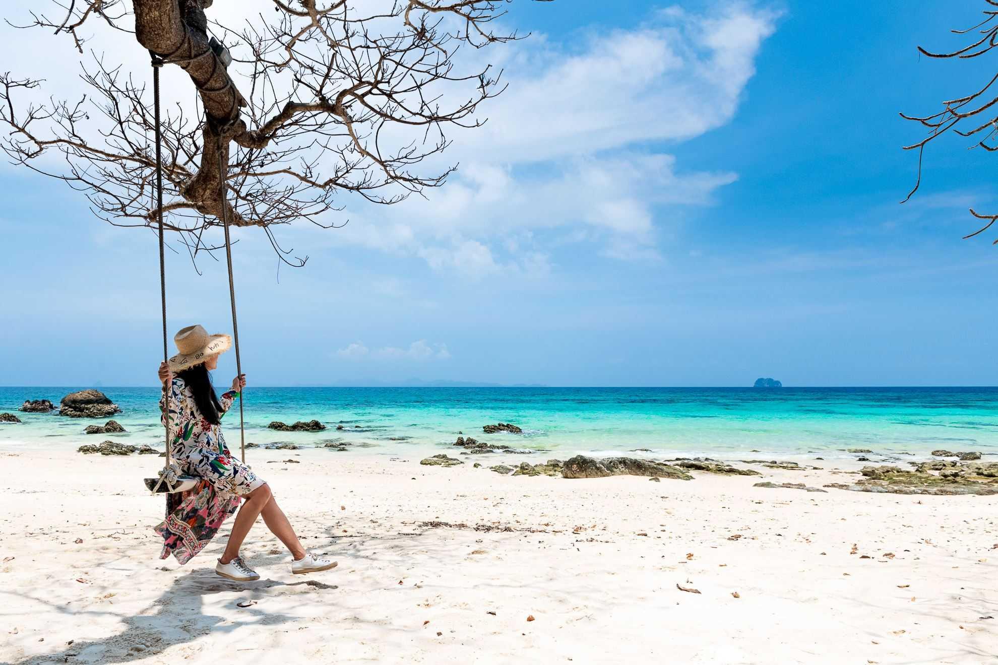 maiton private island tour