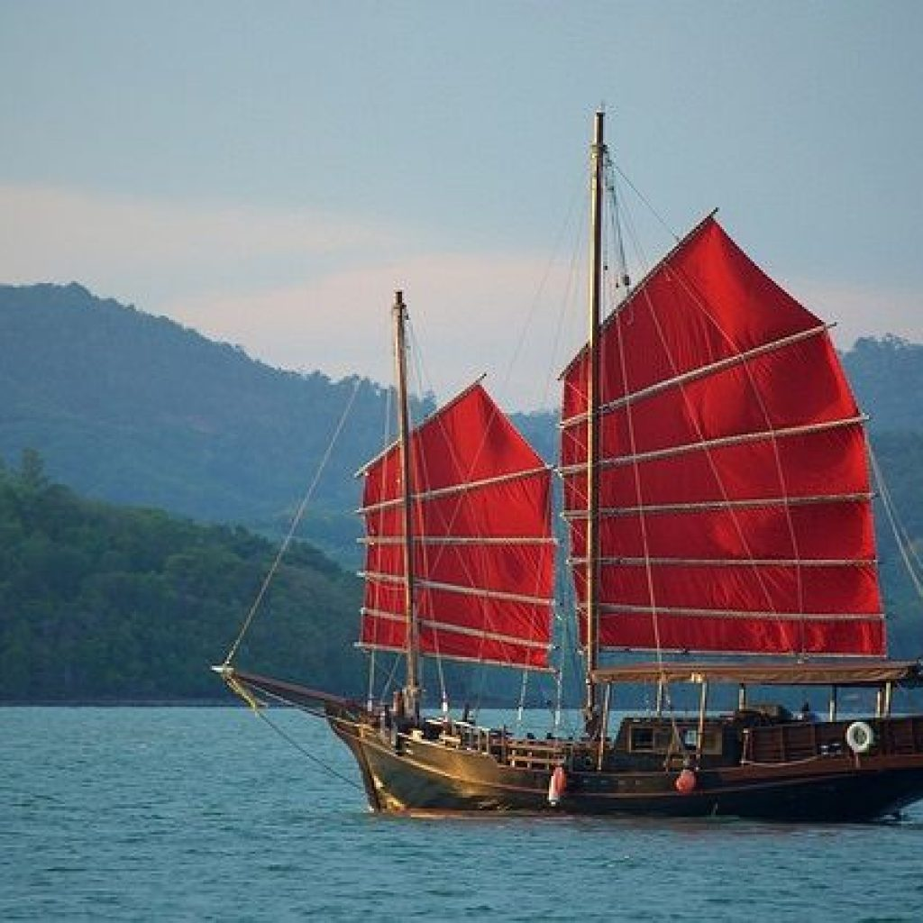 james bond island by cruise boat